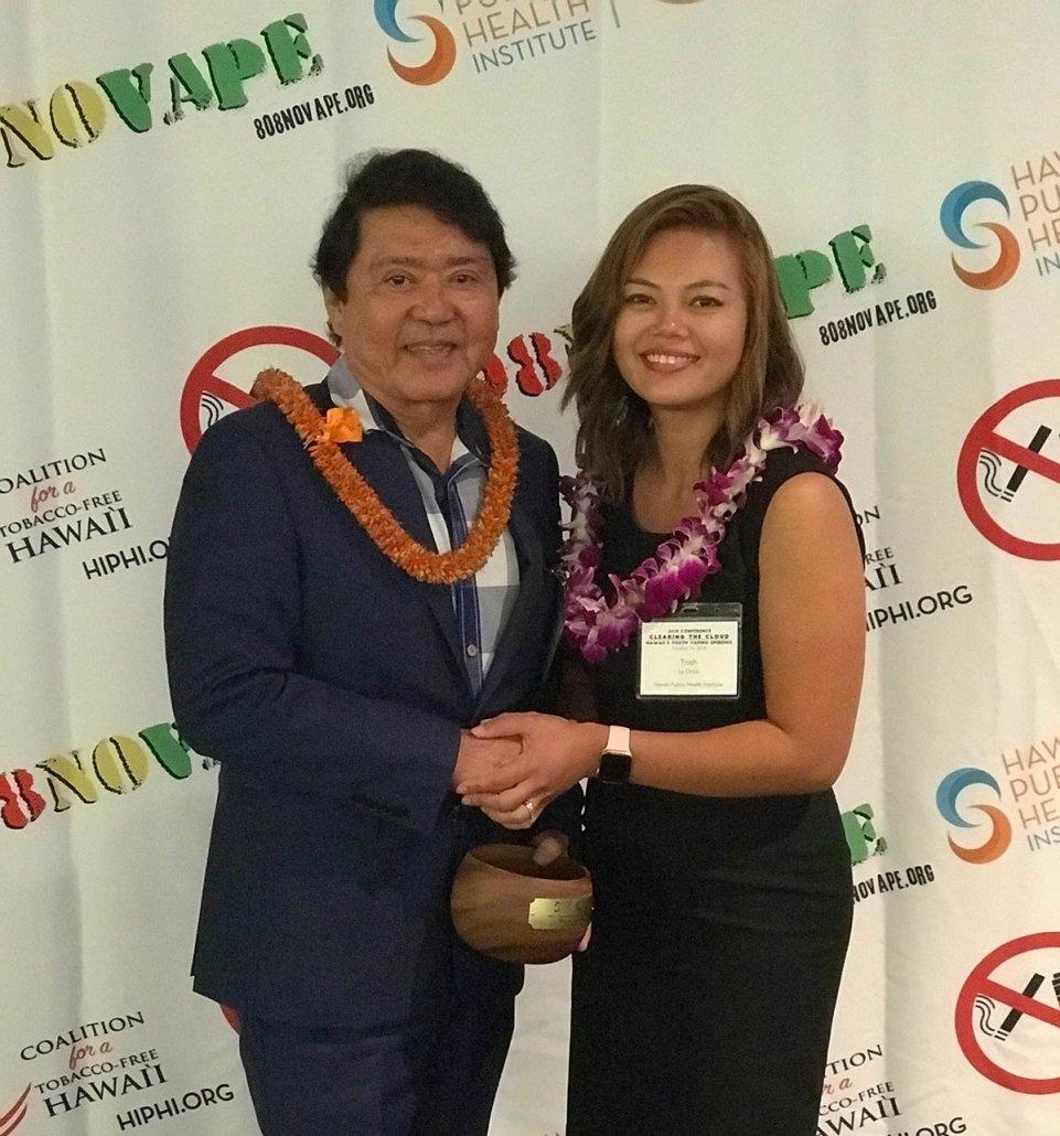 Wayne Yoshioka of Hawaii Public Radio receives Outstanding Media Champion Award.